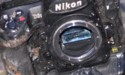 Video: Nikon D3s overleeft douche, bad, vriezer en brand