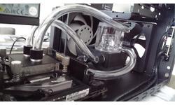 Elite130 + custom waterkoeling en RGB uiteraard ;)