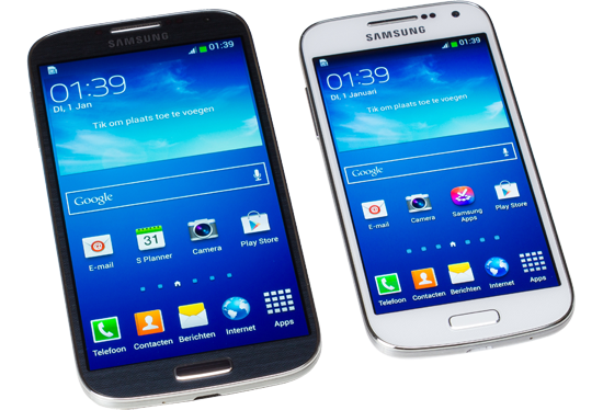 Links Samsung Galaxy S4, rechts Samsung Galaxy S4 Mini