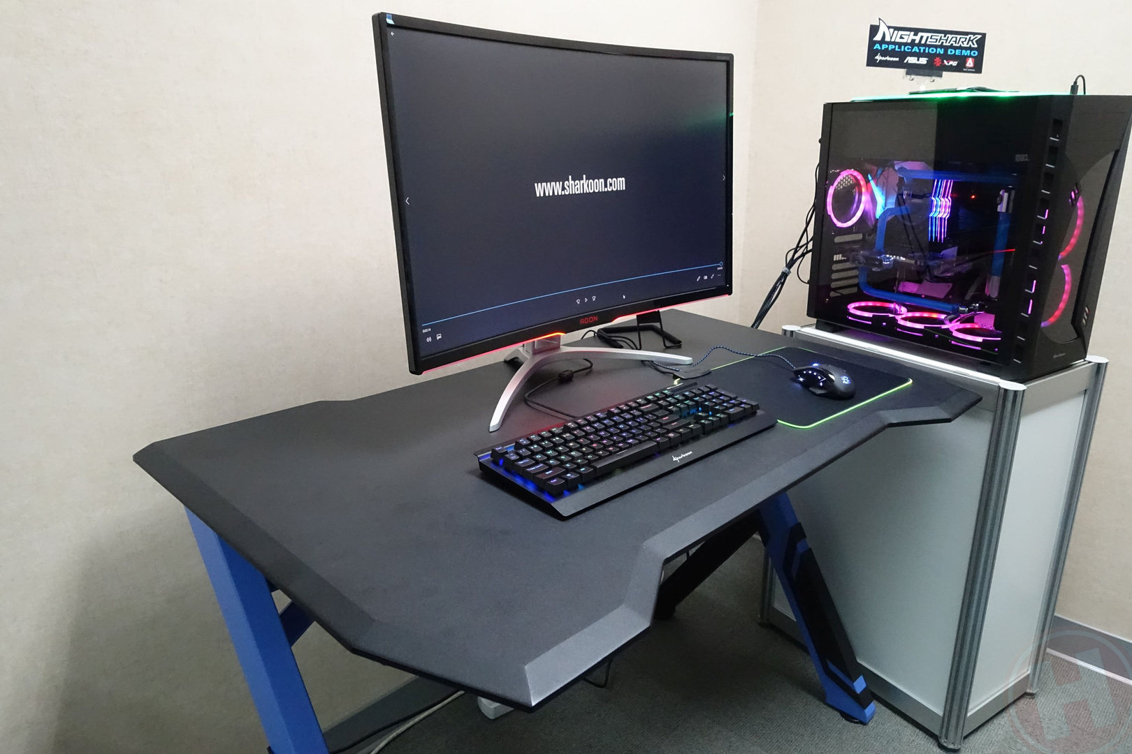 Gaming Stoel Goedkoop : Computex sharkoon laat relatief goedkoop gaming bureau zien