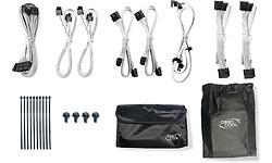 Alle meegeleverde accessoires en kabels
