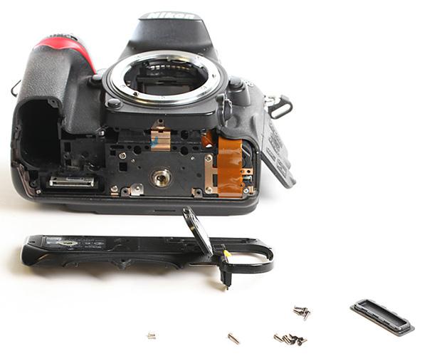 Nikon D7000 dissectie onderkant