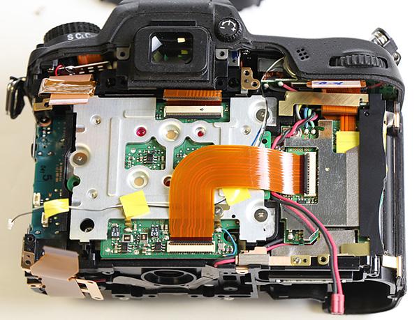 Nikon D7000 achterkant