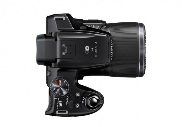 FinePix S8400W