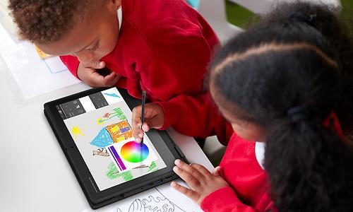 Acer TravelMate Spin B3, robuuste laptop voor in en buiten de klas