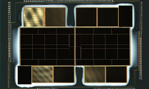 Intel Ponte Vecchio-GPU officieel op de foto: enorme package met véél HBM