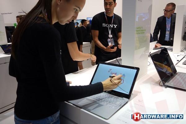 Het touchscreen van de Sony Vaio Fit werkt ook met een stylus.
