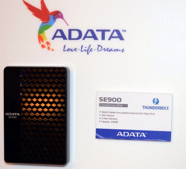 ADATA toont nieuwe producten CES 2013