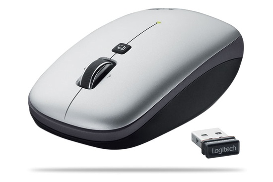logitech_clip_and_go_550