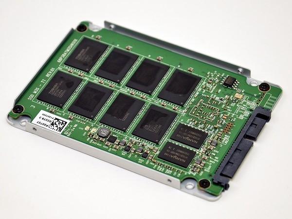 Plextor M5 met BGA chips.