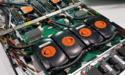 [Pro] SuperMicro laat 1U-server zien met vier watergekoelde Tesla V100-videokaarten