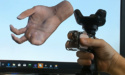 Microsoft ontwikkelt VR-controller die het samenknijpen en rollen van objecten simuleert