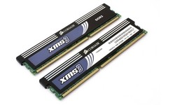 Corsair XMS3 4GB DDR3-1600 CL7 kit