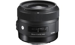 Sigma 30mm f/1.4 DC HSM Art (Sigma)