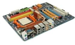 Gigabyte MA790FX-DQ6