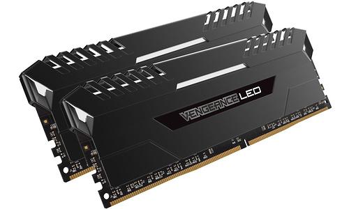 Corsair Vengeance Black/Red LED 32GB DDR4-2133 CL16 kit
