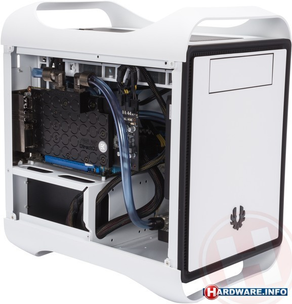 Hardware.Info Water cooled Mini-ITX